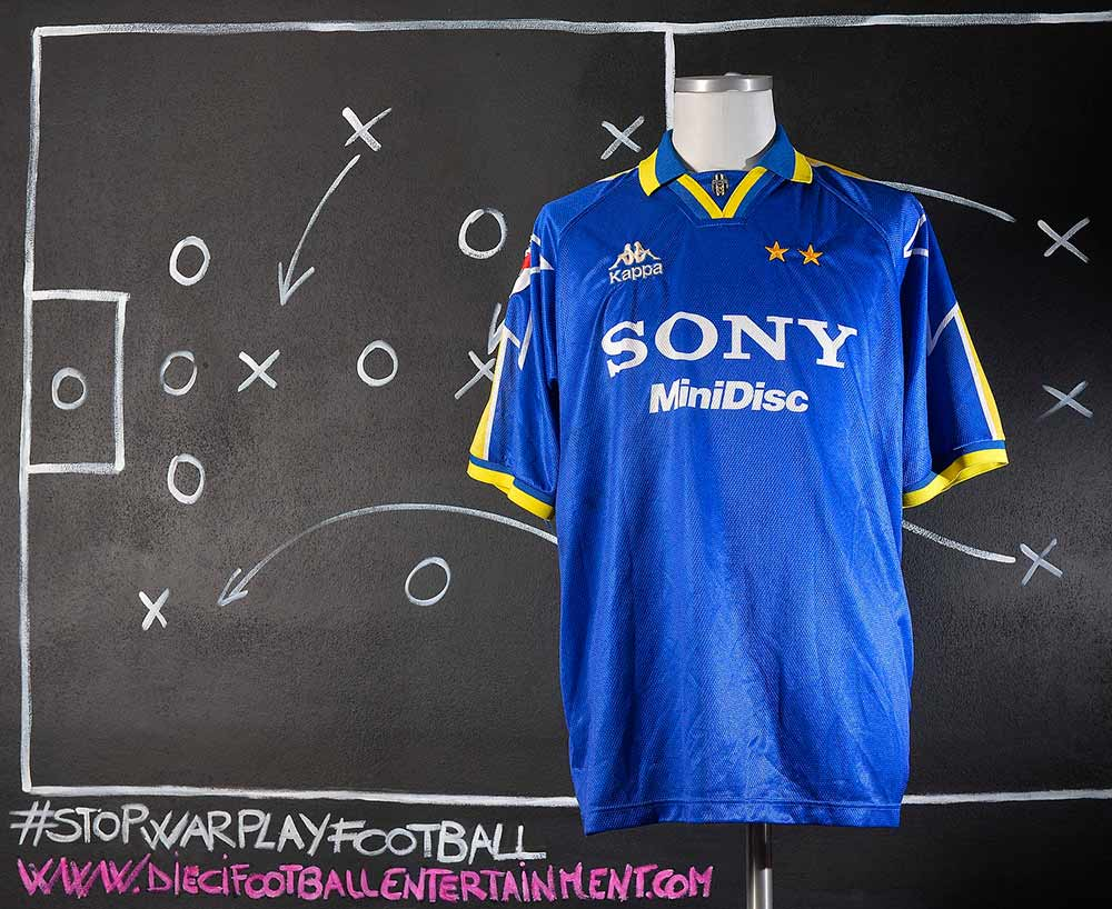eab1a9b863f Juventus F.C. (1995-2000) - 10 footballentertainment