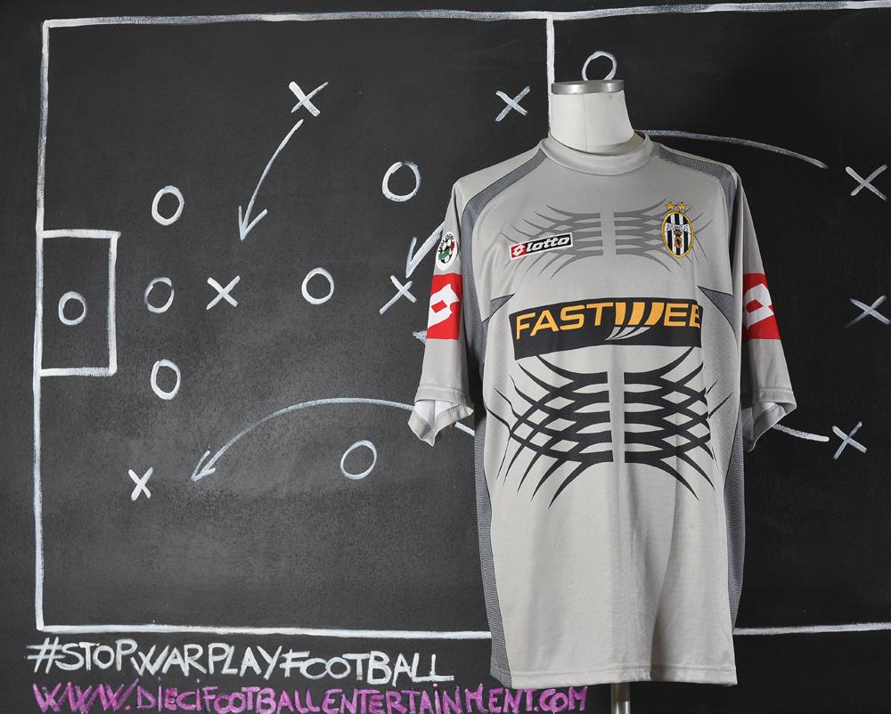 aa9946e4f Juventus F.C. (2000-2005) - 10 footballentertainment